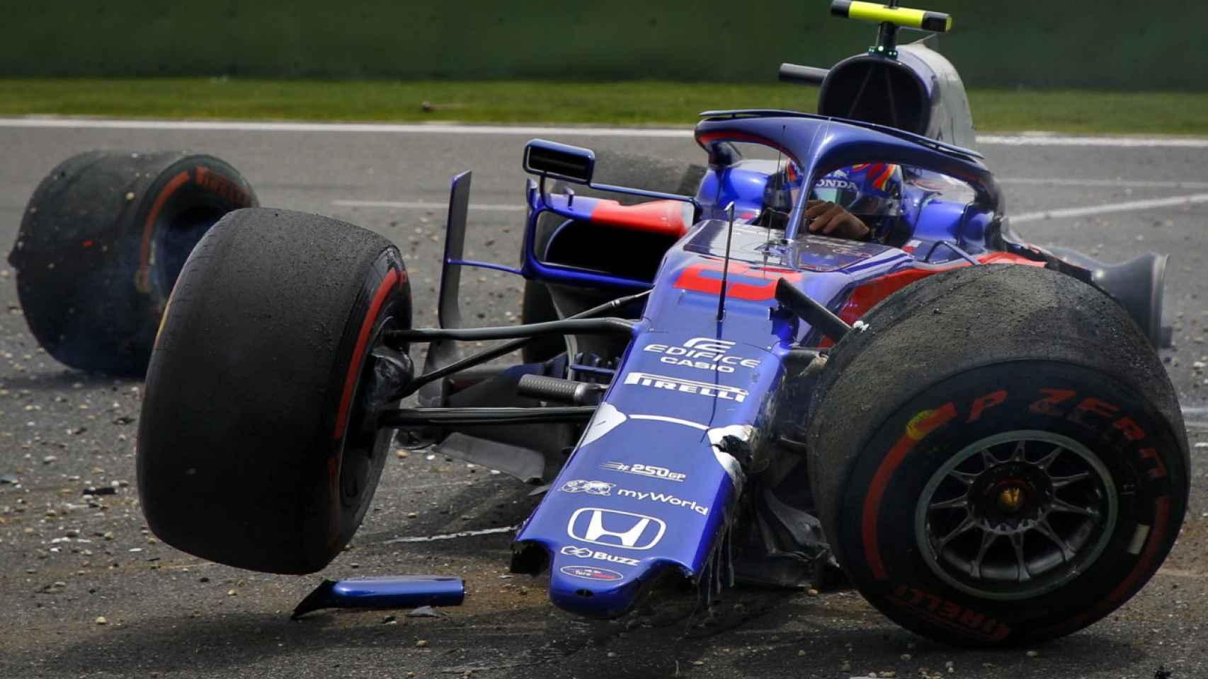 Las imágenes del terrible accidente de Alexander Albon en el GP de China