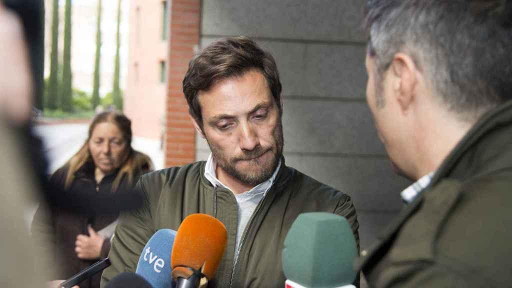 Antonio David Flores, a las puertas del juzgado.