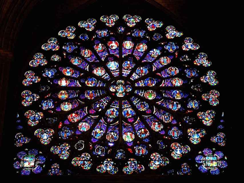La vidriera sur de Notre Dame.