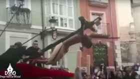 La caída del Cristo de las Santas Gotas en Burgos.