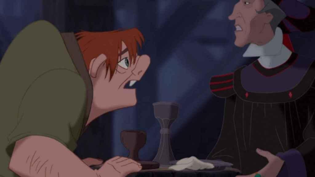 Quasimodo y Frollo.