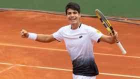 Carlos Alcaraz celebra una victoria