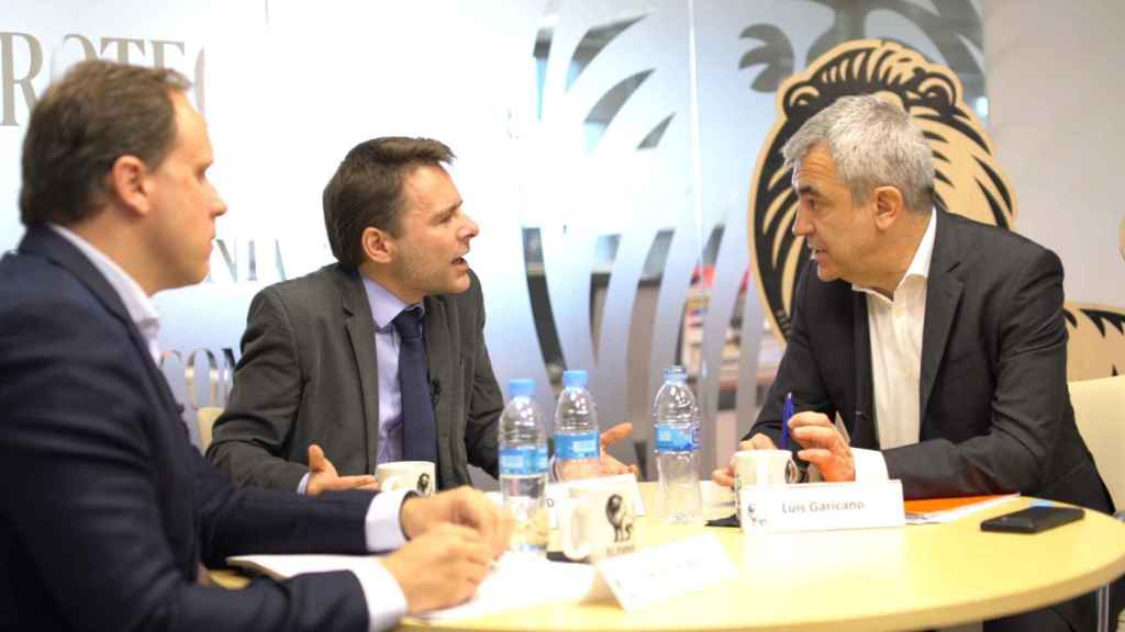 Luis garicano (Cs) responde a Daniel Fuentes (PSOE), ante Daniel Lacalle (PP) en el debate económico de EL ESPAÑOL.