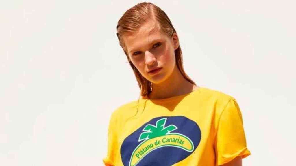 Camiseta de Zara con el plátano de Canarias.