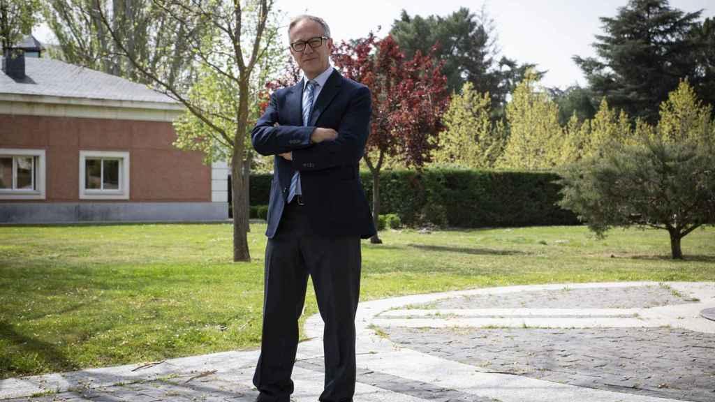 El Ministro de Cultura posa en La Moncloa
