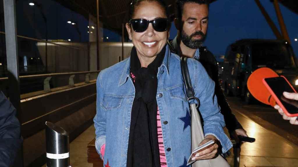 La tonadillera llegando al aeropuerto de Madrid.