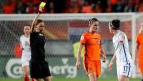 Stéphanie Frappart, durante un partido de la Eurocopa 2017