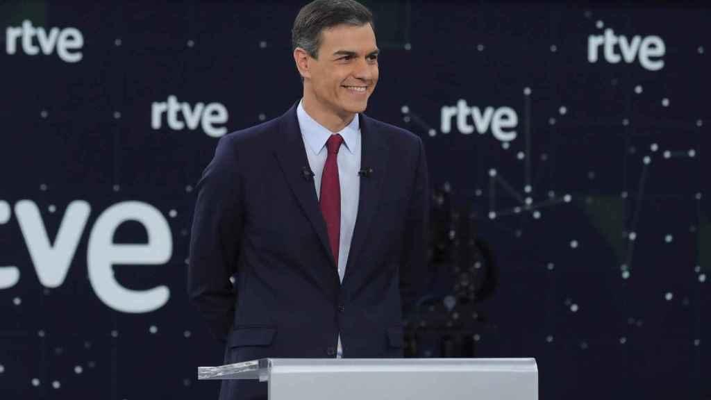 Pedro Sánchez: acosado, sobreactuado y mitinero