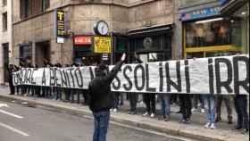 Ultras de la Lazio recordando a Mussolini. Foto: (Twitter @SoyCalcio_)