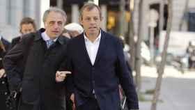 Sandro Rosell junto a su abogado, Pau Molins.