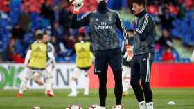 Thibaut Courtois durante el calentamiento del Real Madrid en Getafe