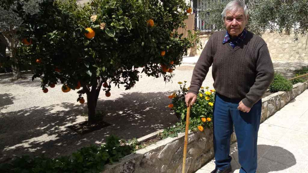 José González sufrió un ictus y tardó tres horas en llegar al hospital de Caravaca de la Cruz.