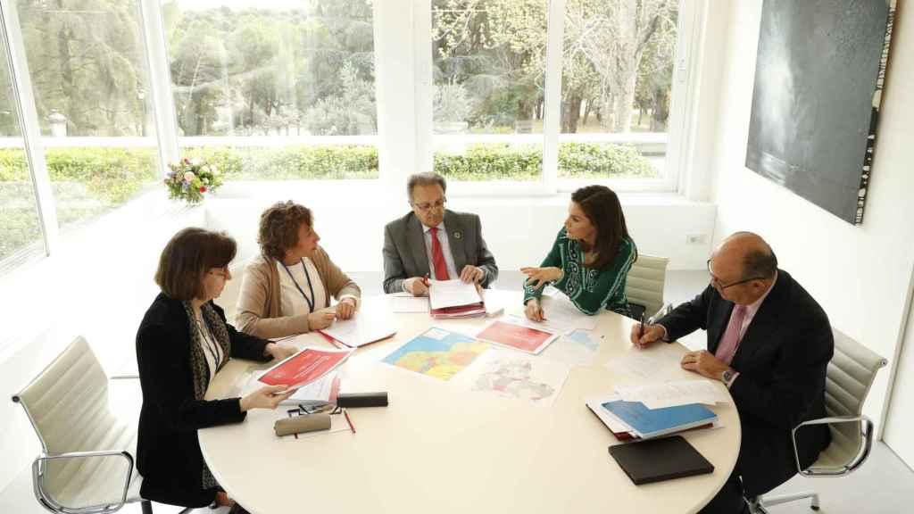 El equipo abordó el asunto de la cooperación y las consecuencias del ciclón.
