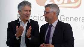 Fernando Grande-Marlaska, ministro del Interior, y Miguel Ángel Oliver, secretario de Estado de Comunicación.