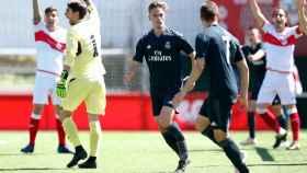 Dani Gómez celebra su gol al Sanse