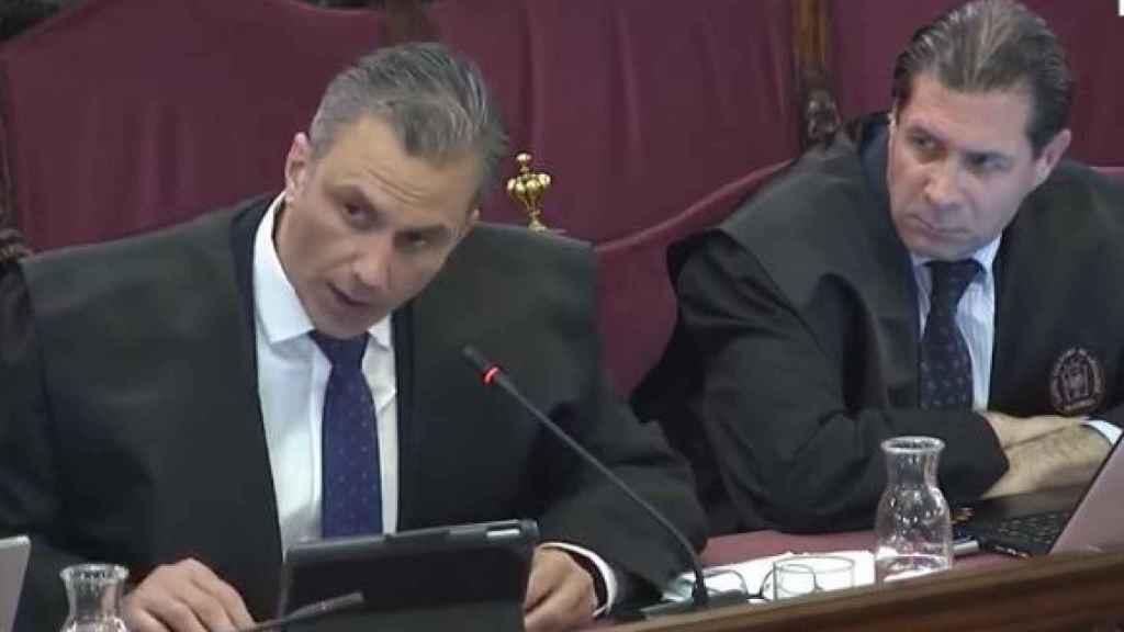Los nuevos dipuados de Vox Javier Ortega y Pedro Fernández, este lunes en el juicio del procés.