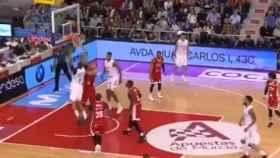 Randolph machaca el aro ante el UCAM Murcia