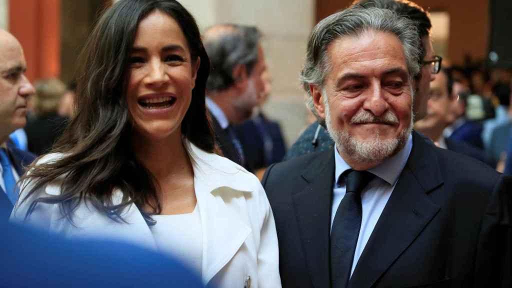 Begoña Villacís (Cs) y Pepu Hernández (PSOE), en la fiesta del 2 de mayo de la Comunidad de Madrid.