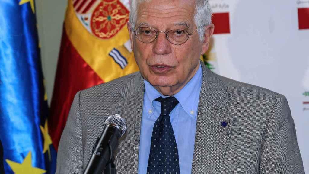 El ministro español de Asuntos Exteriores en funciones, Josep Borrell, en su visita a Beirut.