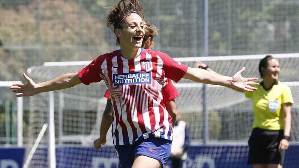 Esther celebra uno de sus tres goles a la Real Sociedad Foto: RFEF