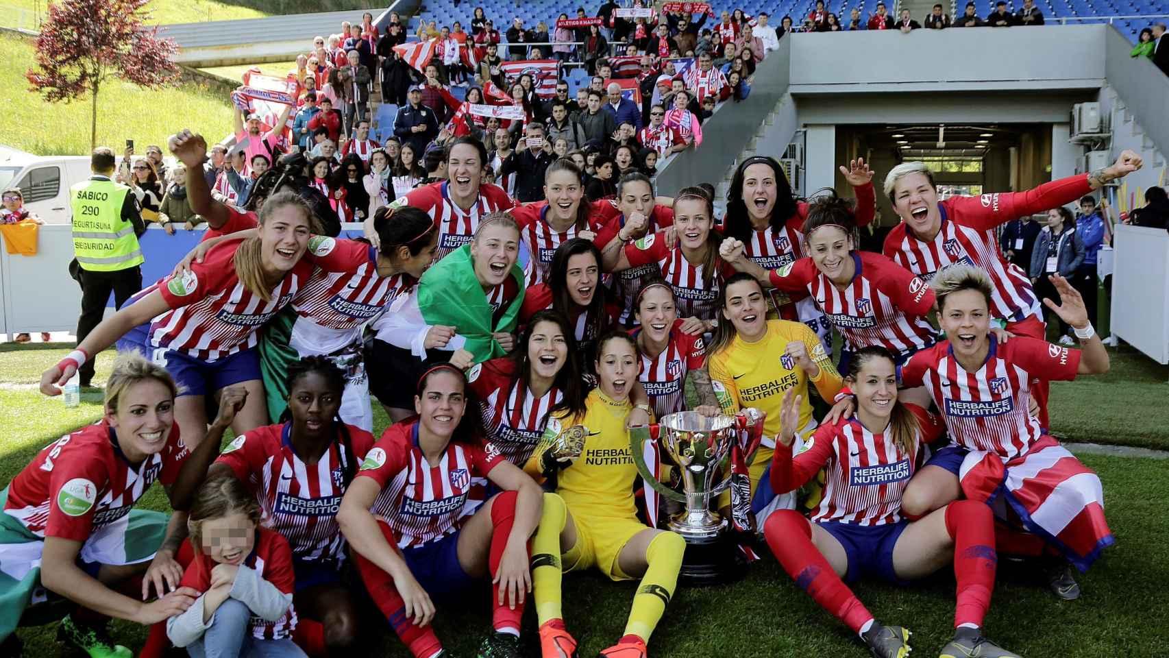 Las jugadoras del Atlético de Madrid celebran el campeonato de La Liga Iberdrola