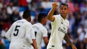 Mariano Díaz celebra el tercer gol del Real Madrid ante el Villarreal