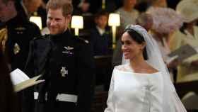 Harry de Inglaterra y Meghan Markle en Windsor el día de su boda.