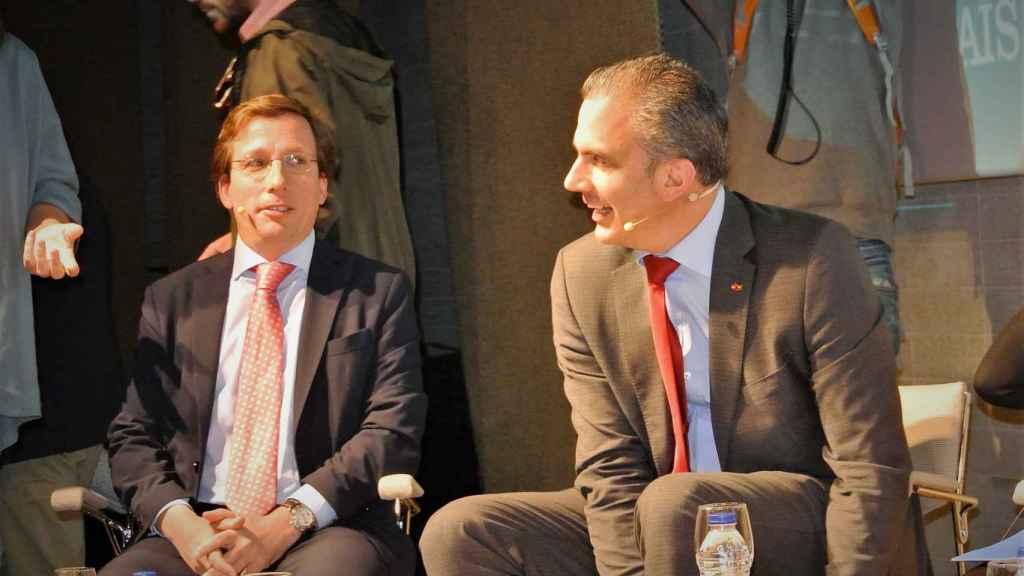 José Luis Martínez Almeida (PP), junto a Javier Ortega Smith (Vox), en el debate de candidatos al Ayuntamiento de Madrid.