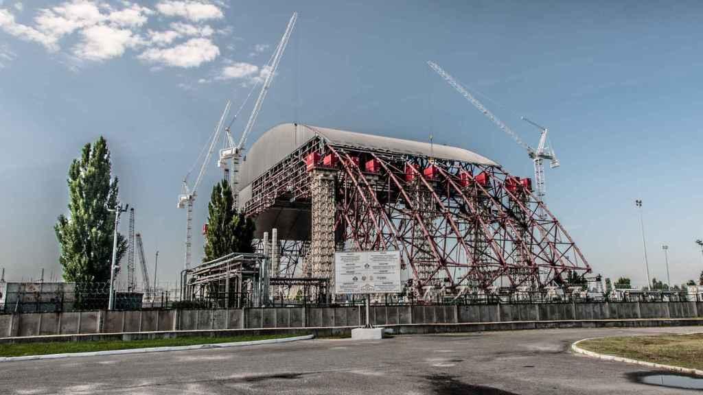 Sarcófago que cubre la central de Chernobyl