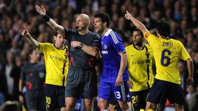 Ovrebo, durante el Chelsea - FC Barcelona