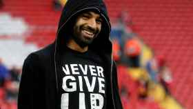 La viral camiseta de Salah: Nunca te rindas