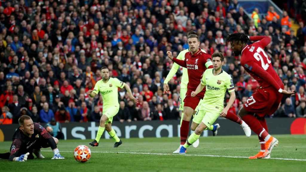Divock Origi marca el primer gol de la remontada frente al Barça