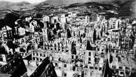 El poblado de Guernica en ruinas tras el bombardeo.