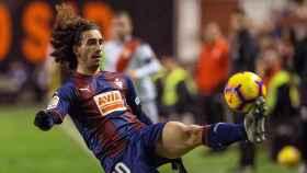 Marc Cucurella: lateral izquierdo (SD Eibar). 20 años - 10 millones.