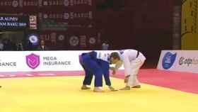 Un luchador de Judo es descalificado porque se le cae el teléfono móvil en pleno combate