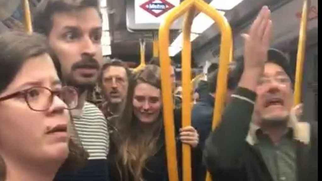 Disputa por un asiento en el Metro de Madrid.