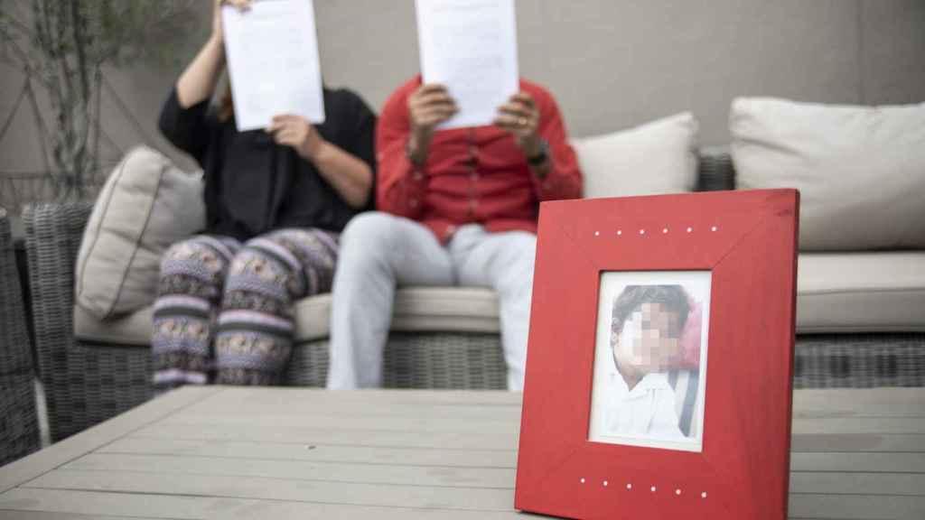 Julius y María Jose, los padres del menor acosado en el International College Spain