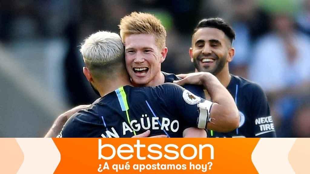 De Bruyne, Agüero y Mahrez, en un partido del Manchester City