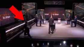 Momento en el que Aleix Sarri casi se cae del escenario.