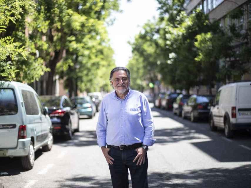 Pepu Hernández, en una calle de Carabanchel, este jueves.