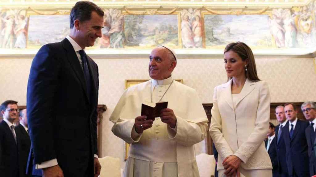 Felipe y Letizia, en la proclamación del Papa Francisco.