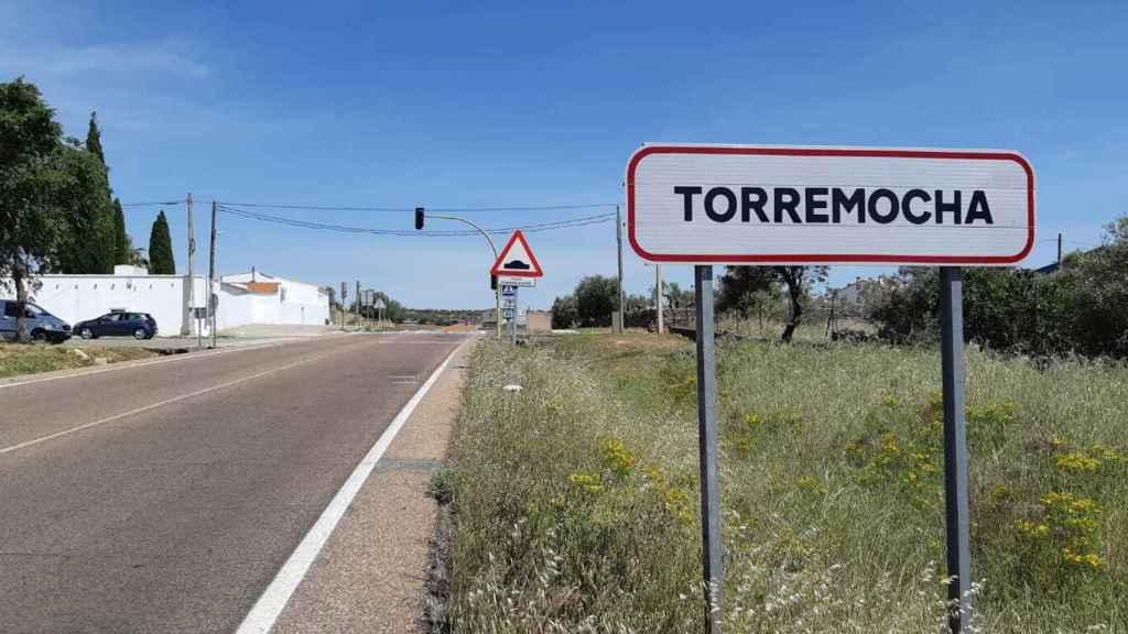 Valerio nació en Torremocha, aunque salió del pueblo con dos años para recorrer la geografía de la mano de su padre Guardia Civil.