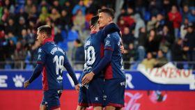 El Huesca celebra la victoria ante el Leganés. Foto: Twitter (@SDHuesca)