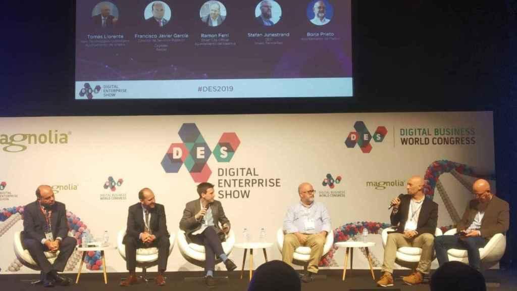 Los ponentes de la charla sobre 'smart cities' en el DES 2019.