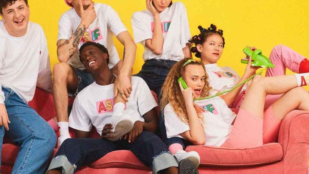 Imagen de las camisetas de Asif.