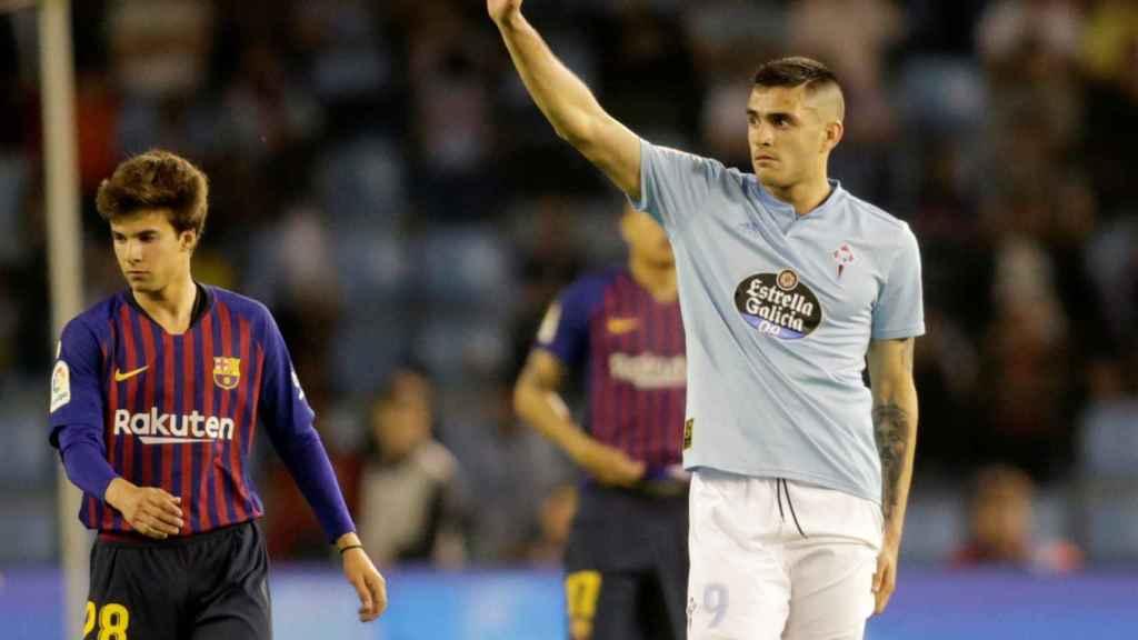 Maxi Gómez contra el Barcelona