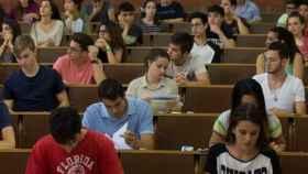 Las pruebas de acceso a la universidad comenzarán el próximo 4 de junio. Foto: EFE.
