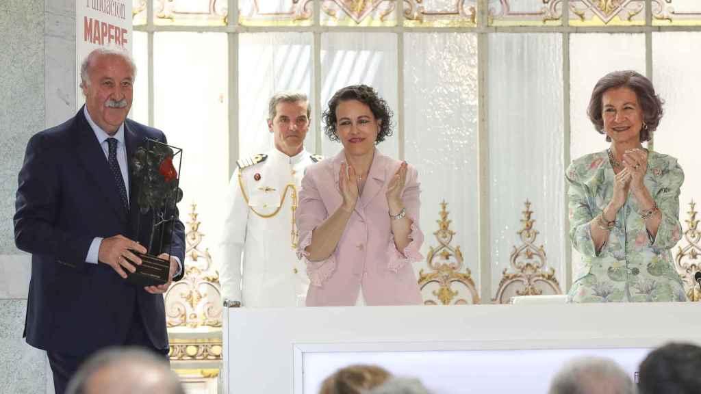 Vicente del Bosque recogiendo un Premio Social de la Fundación Mapfre en 2018