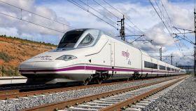 Un tren de alta velocidad de Renfe de la serie 112.