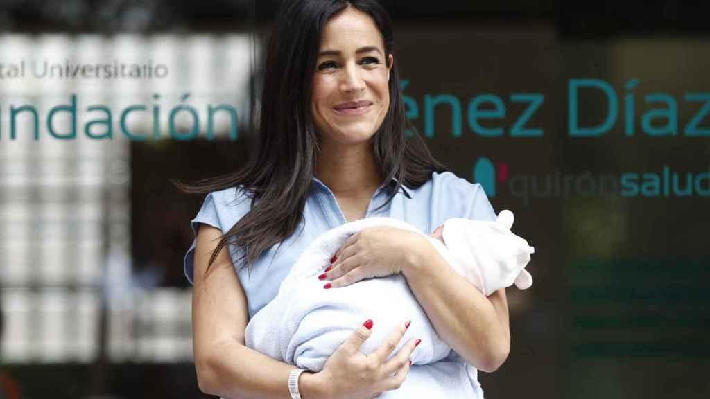 Begoña Villacís, a su salida del Hospital Universitario Fundación Jiménez Díaz.